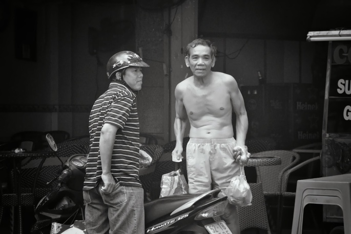 Vietnam Coolpix and V1 230_273BW